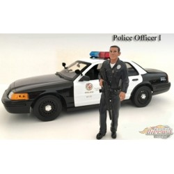 Figure  POLICE OFFICER 1 AMERICAN DIORAMA 1/18 AD-24011   Passion Diecast