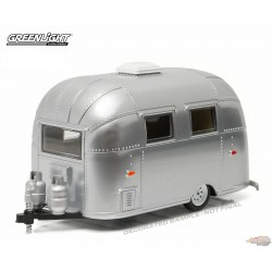 Trailers - Airstream 16ft Bambi Sport - chrome finish  Greenlight 1/24 18228  Passion Diecast