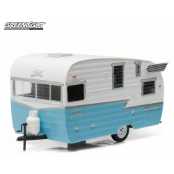 Trailers - Shasta 15ft Airflyte - White and Blue Greenlight 1/24 18229 Passion Diecast