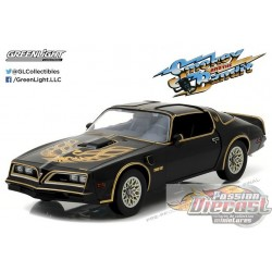 1977 Pontiac Firebird Trans Am Smokey and the Bandit  Greenlight 1/18 19025 Passion Diecast