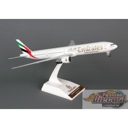 skymarks 1/200 SKR727  EMIRATES  BOEING 777-300ER Passion Diecast