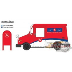 1:64 Véhicule de livraison postale Poste Canada (Hobby Exclusive)