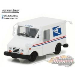 1:64 Service postal des États-Unis (USPS) Véhicule de livraison postale (Hobby Exclusive)