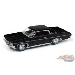 1970 CHEVROLET IMPALA NOIR AUTO WORLD 1:64  -AW64102-B   PASSION DIECAST