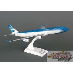 AEROLINEAS A340-300 skymarks 1/200 SKR685   Passion Diecast