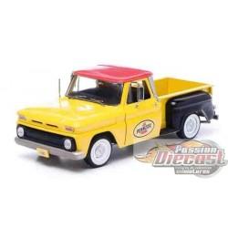1/18 1965 Chevrolet C-10 Styleside Truck Pennzoil  GL-12873 greenlight passion diecast