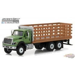1/64 SD Trucks 4 - 2018 International WorkStar Platform Stake Truck GL-45040B greenlight passion diecast