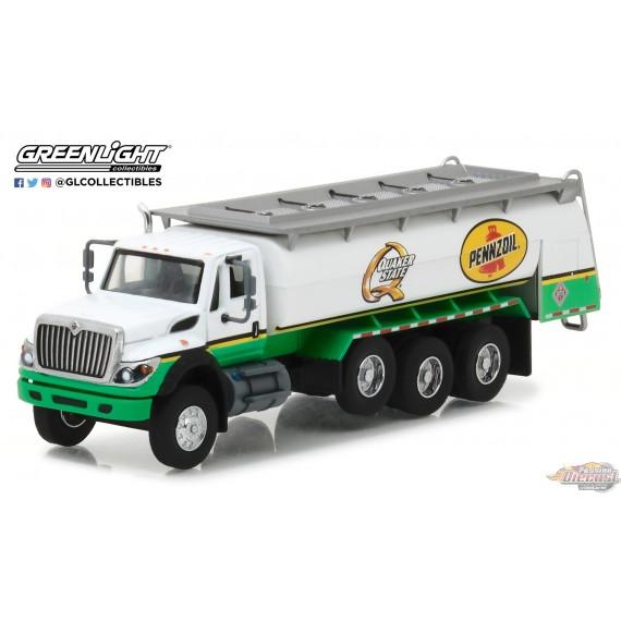 1/64 SD Trucks 3 - 2017 International WorkStar Tanker Truck - Pennzoil Quaker State GL-45030C GREENLIGHT PASSION DIECAST
