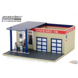 Mechanic's Corner 3 - Gas Station - Standard Oil 1:64 GreenLight  57032 Passion diecast
