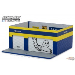 1:64 GreenLight  GL-57033 Mechanic's Corner 3 Weekend Workshop Michelin Passiondiecast