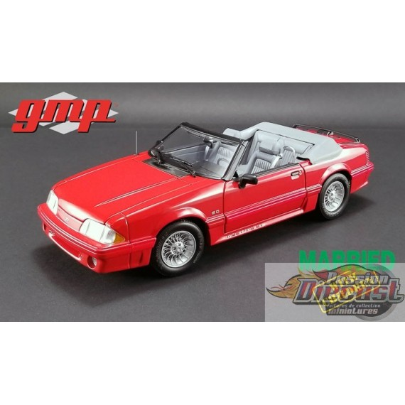GMP  1/18 :  GMP-18904 1988 Ford Mustang 5.0 Convertible  Married with Children PassionDiecast