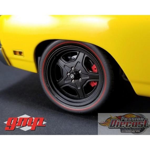 Ensemble de roues à 5  rayons Style  Street Fighter  avec pneus low profile 1-18 GMP - G-18890 Passion Diecast