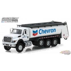 1:64 GreenLight      SD Trucks 5 - 2018 Intl WorkStar Tanker Truck Chevron GL-45050C PASSION DIECAST
