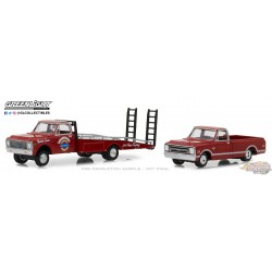 1971 Chevy C-30 Ramp Truck Chevrolet  with 1968 Chevy C-10  H.D. Trucks Series 14- Greenlight 1/64 33140A