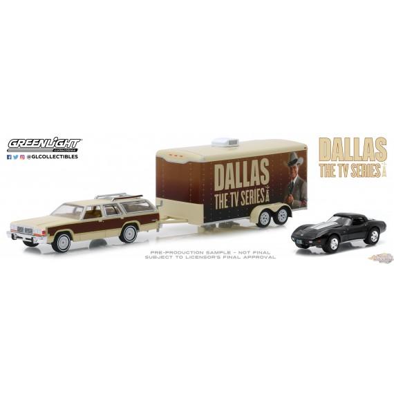 Ford LTD Country Squire 1979 & Chevrolet Corvette C3 1978  Dallas (1978-91 TV Series) Greenlight 31070C 1-64 Passion Diecast