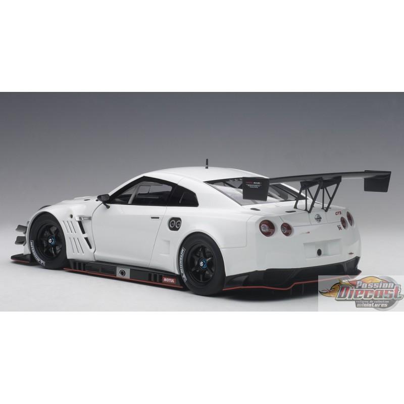 NISSAN GT-R NISMO GT3 (WHITE) Autoart 1/18 81576