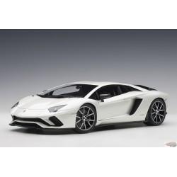 LAMBORGHINI Aventador S   Blanc  Perle Autoart 79131  Passion Diecast