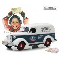 Chevrolet Panel Truck 1939 -Norman Rockwell Delivery Vehicles Greenlight 18249 1/24 Passion Diecast