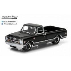 Black Bandit Series 11 1968 Chevrolet C-10 Pickup Greenlight 1:64 27760 A  Passion Diecast