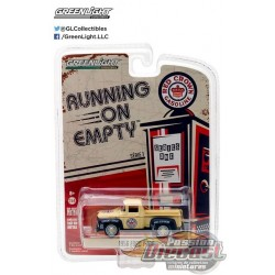1956 Ford F-100 - Red Crown Gasoline  Running on Empty Series 1 Greenlight 1:64    41010 A  Passion Diecast