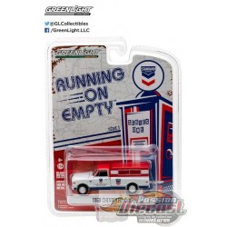 1968 Chevrolet C-10 - Standard Oil  Running on Empty Series 1 Greenlight 1:64    41010 D Passion Diecast
