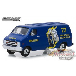 1977 Dodge B-100 Van - Michelin Tires  Running on Empty Series 7  Greenlight 1/64 41070 E  Passion Diecast