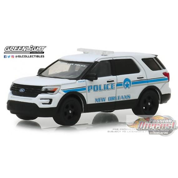 Ford  Police InterceptorUUtility  New Orleans Police  Hot Pursuit 1:64 OVP NEU