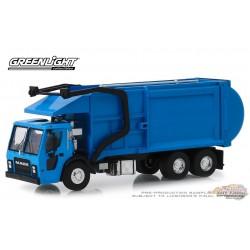Mack LR Refuse 2019 Blue  S.D. Trucks Series 7  Greenlight 45070 C  1-64  Passion Diecast