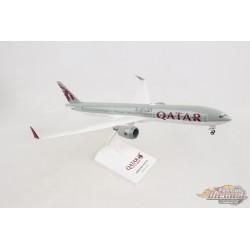 QATAR  BOEING  777-9  Avec Embouts d'aile repliables SKYMARKS 1/200 SKR1014 Passion Diecast