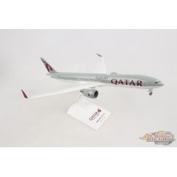 QATAR  BOEING  777-9  W Folding wing tips  SKYMARKS 1/200 SKR1014 Passion Diecast