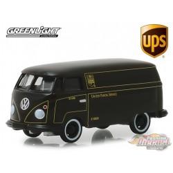 UPS - Volkswagen Type 2 Panel Van - United Parcel Service  (Hobby Exclusive) 1/64 Greenlight 30020 Passion Diecast