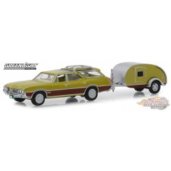 1971 Oldsmobile Vista Cruiser and Teardrop Trailer   Hitch & Tow Series 17 Greenlight 32170 A  1-64 Passion Diecast