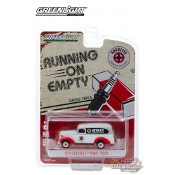 1939 Chevrolet Panel Truck Autolite Spark Plugs -  Running on Empty 8,  1/64 Greenlight 41080 A   Passion Diecast