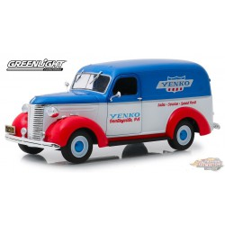 Chevrolet Panel Truck 1939 - Yenko Sales and Service  Running on Empty 3   1/24 Greenlight 85041  Passion Diecast