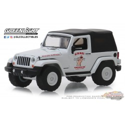 2012 Jeep Wrangler - Off Road Adventures - Busted Knuckle Garage Series 1   Greenlight 1-64 - 39010 E  Passion Diecast