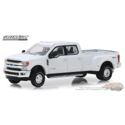 2018 Ford F-350 King Ranch Dually in Oxford White  Dually Drivers Series 1   greenlight 1-64 - 46010 C  Passion Diecast