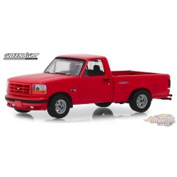 1993 Ford F-150 Lightning in Bright Red  GL Muscle Series 22 1-64  greenlight 13250 E  Passion Diecast