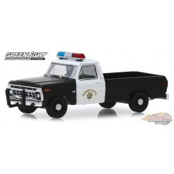 1975 Ford F-100 Pickup California Highway Patrol  -  (Hobby Exclusive) 1/64 Greenlight 30085  Passion Diecast