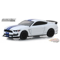"2015 Ford Shelby GT350R VIN 001  Barrett-Jackson ""Scottsdale Edition"" Series 4   greenlight  1-64 - 37180 F Passion Diecast"