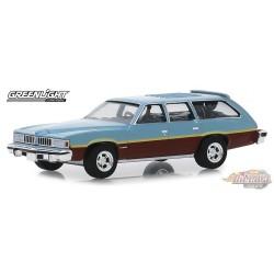 1976 Pontiac LeMans Safari Wagon Glacier Blue Metallic / Woodgrain  Estate Wagons  4 - 1/64  Greenlight 29970 D Passion Diecast
