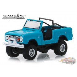 1967 Ford Bronco in Teal - Doors Removed All-Terrain Series 8   1-64 greenlight 35130 A   Passion Diecast