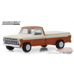 1973 Ford F-100 with Bed Cover, Blue Collar Collection Series 6 Greenlight 1/64, 35140 B  Passion Diecast
