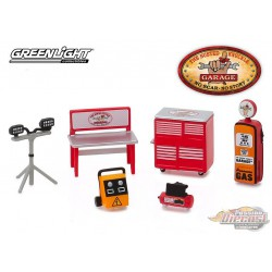Busted Knuckle Garage Shop Tool Accessories  Series 1 Greenlight 1/64 16020 B  Passion Diecast