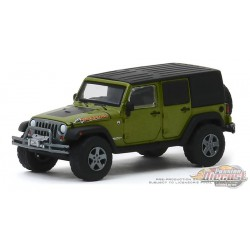 2010 Jeep Wrangler Unlimited Mountain Edition - Rescue Green   All-Terrain 9, 1-64 greenlight 35150 E  Passion Diecast