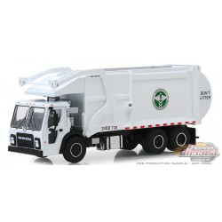 New York City Dept. of Sanitation (DSNY) - 2019 Mack Refuse -  SD Trucks 8 - Greenlight  1.64 - 45080 C - Passion Diecast