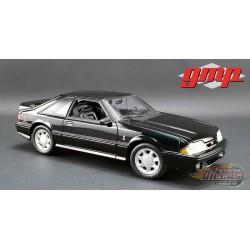 Ford Mustang Cobra 1993 en noir avec intérieur noir 1/18 GMP  18921 Passion Diecast
