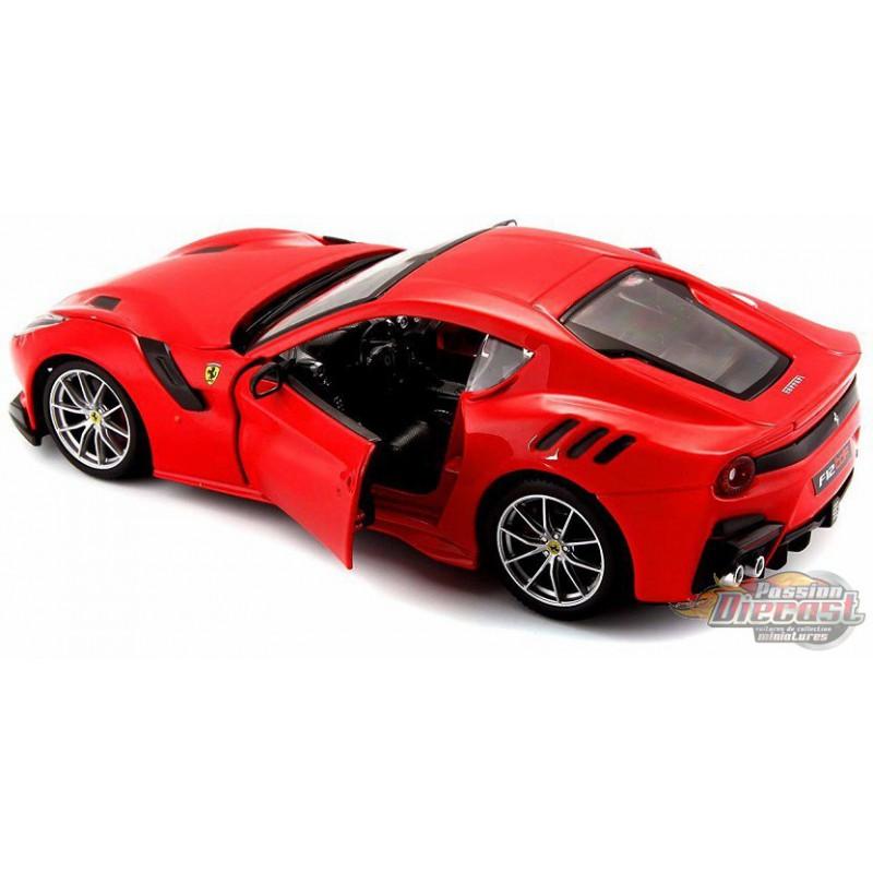 BBURAGO 18-26021 FERRARI F12 TDF 1//24 DIECAST MODEL CAR RED