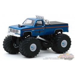 Bear Foot - 1985 GMC High Sierra 2500 Monster Truck - Kings of Crunch  6 -  1-64 Greenlight 49060 C - Passion Diecast