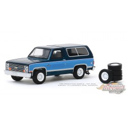 1986 Chevrolet K5 Blazer with Spare Tires - Hobby Shop Series 8 - 1/64 Greenlight-  97080 E - Passion Diecast