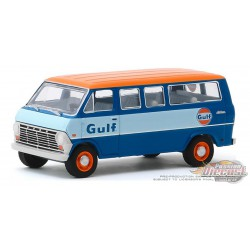 1968 Ford Club Wagon - Gulf Oil - Running on Empty Series 10 - 1-64 greenlight - 41100 B - Passion Diecast